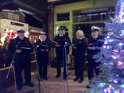 NCI CAISTER HELPS WITH CHRISTMAS LIGHT SWITCH ON & NCI CAISTER HELPS WITH CHRISTMAS LIGHT SWITCH ON | National ... azcodes.com